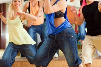ריקודי עם תחת כיפת השמיים עם אילנה בראל