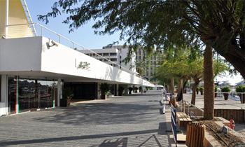 Променад в районе отеля «Царь Соломон»